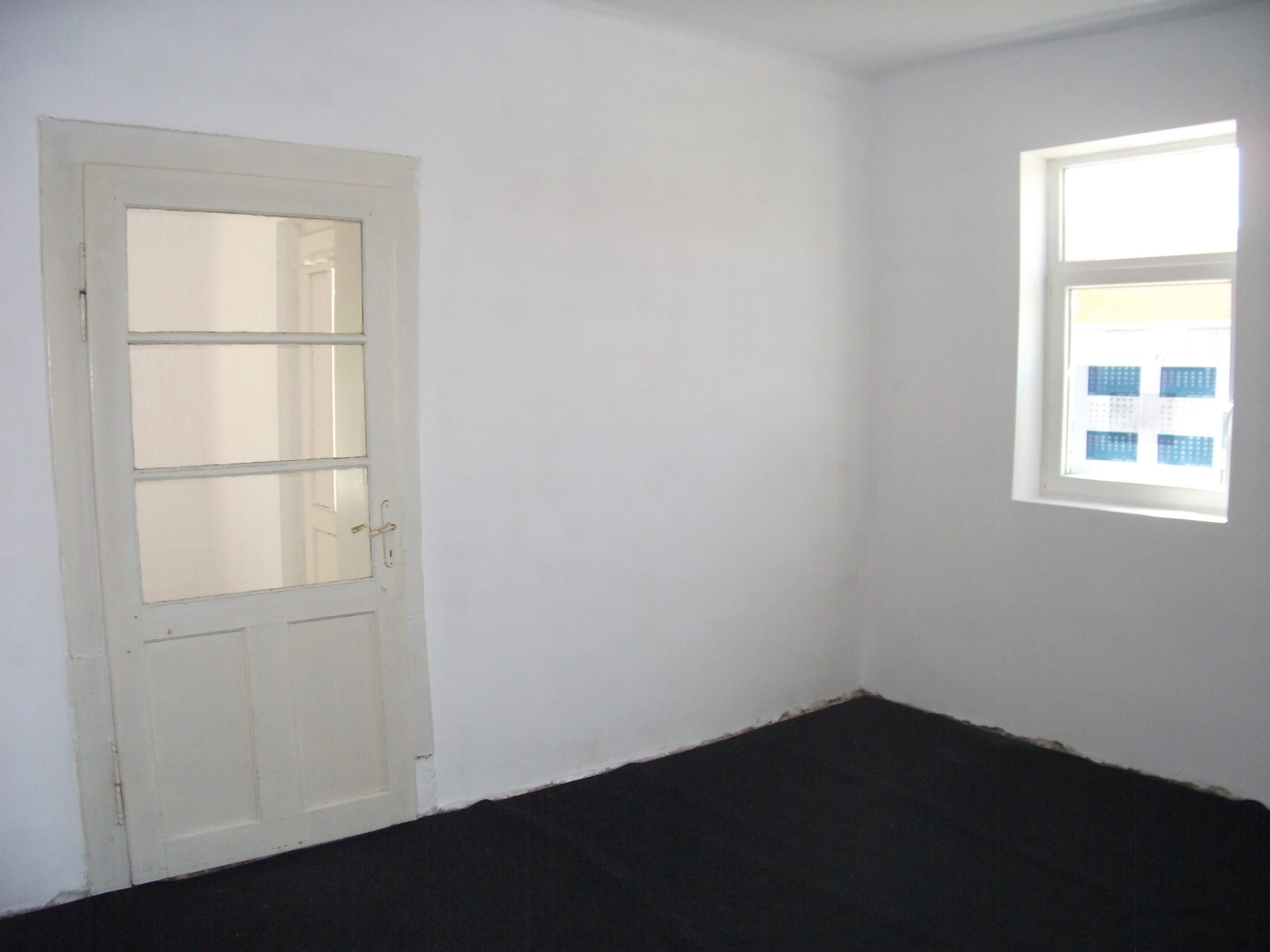 Vand casa cu 2 apartamente zona Vlaicu-Cocorilor