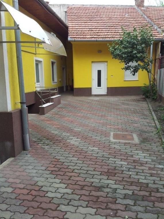 Vand casa 7 camere zona Ultracentrala