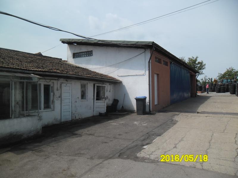 Vand teren cu casa zona Aradul Nou