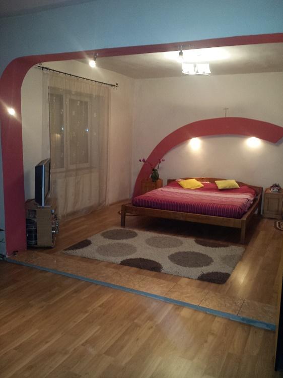 Vand casa 3 camere + 1 spatiu comercial in Masca