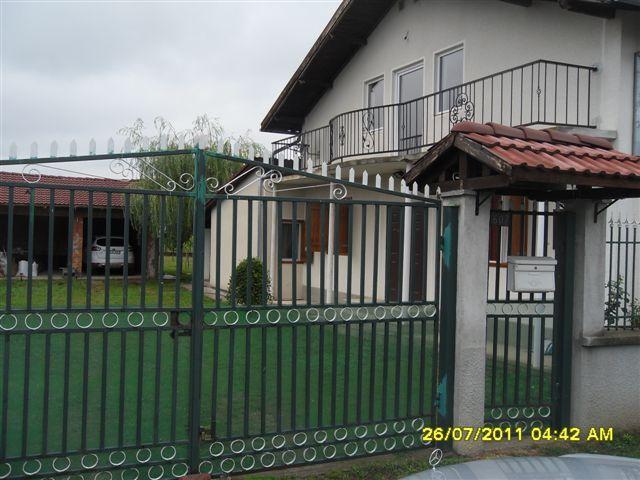 Vand casa 5 camere in Sofronea