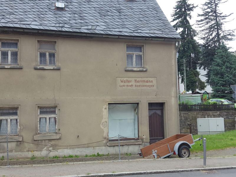 Schimba casa din Backau Germania cu ap. 2 camere in Arad