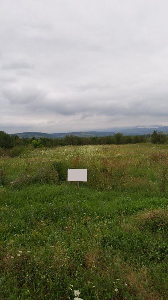 Vand teren in Hunedoara-Comuna Strei