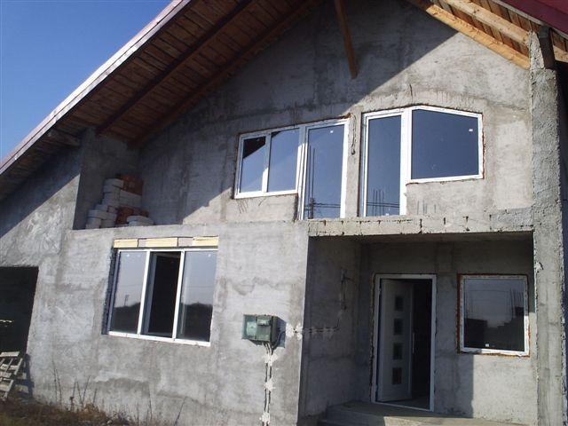 Vand casa 5 camere in Calugareni