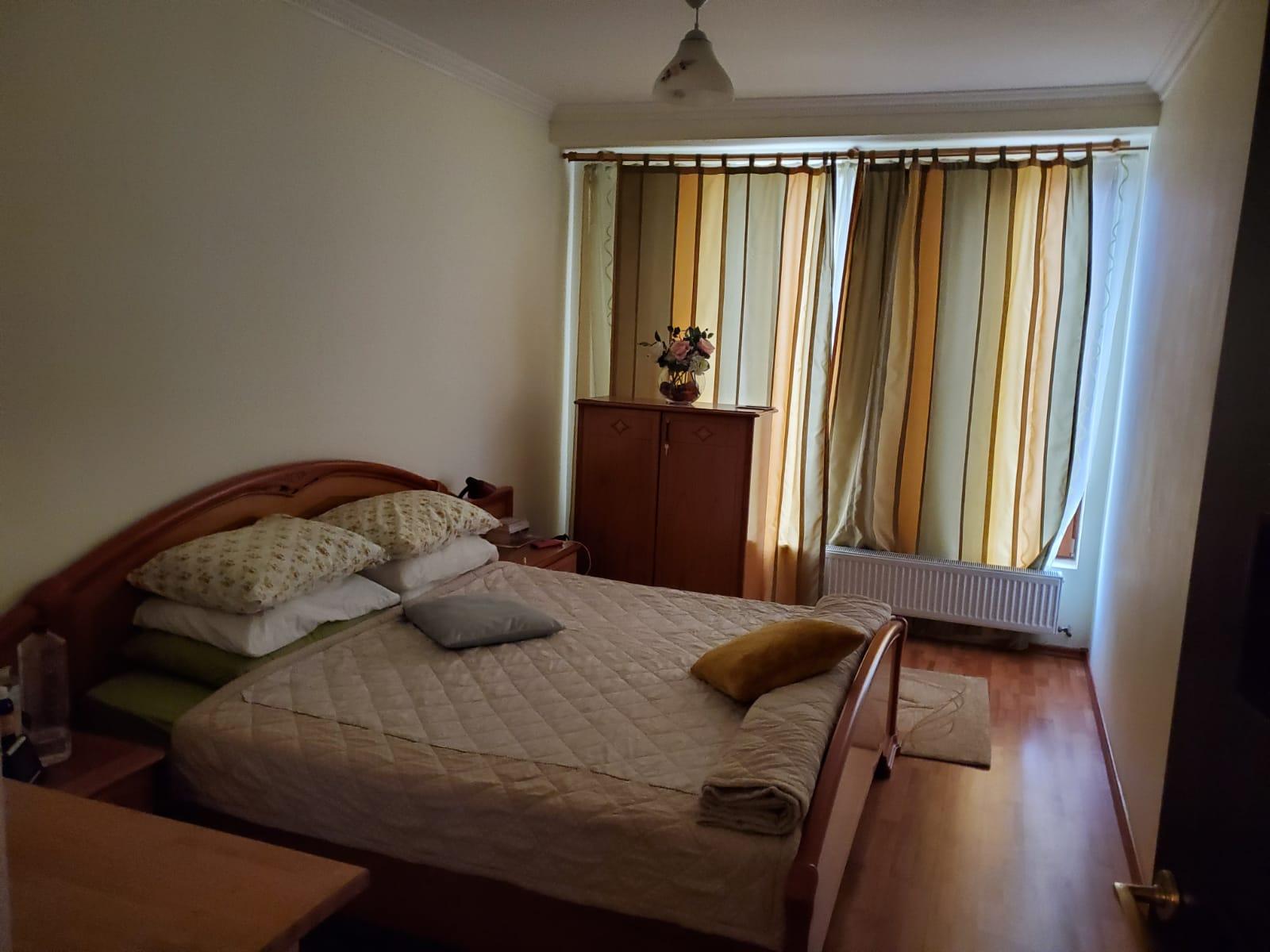 Vand casa 6 camere in Vladimirescu