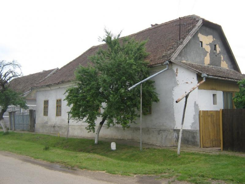 Vand casa 4 camere in Sanmartin