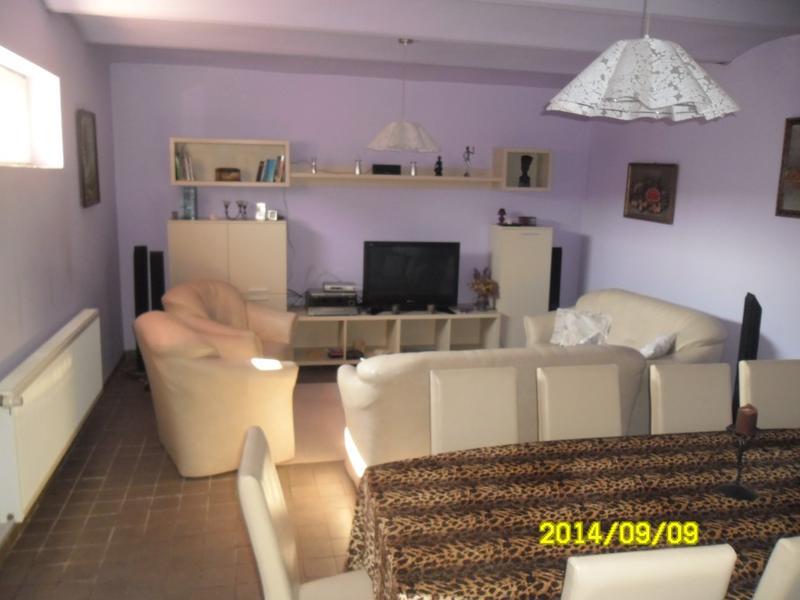 Vand apartament 3 camere zona Aradul Nou