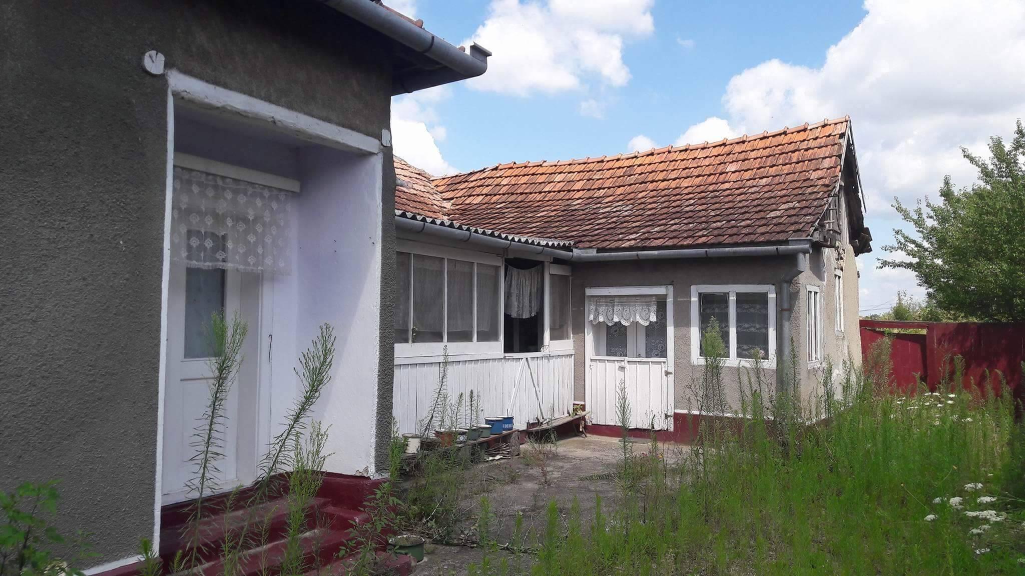 Vand casa 4 camere in Beliu