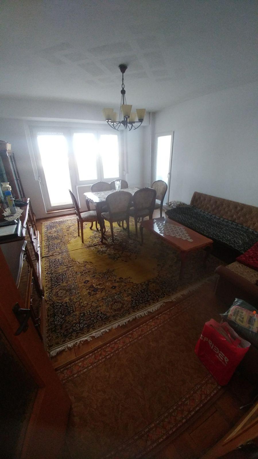 Inchiriez apartament tip Samantha 4 camere zona Polivalenta