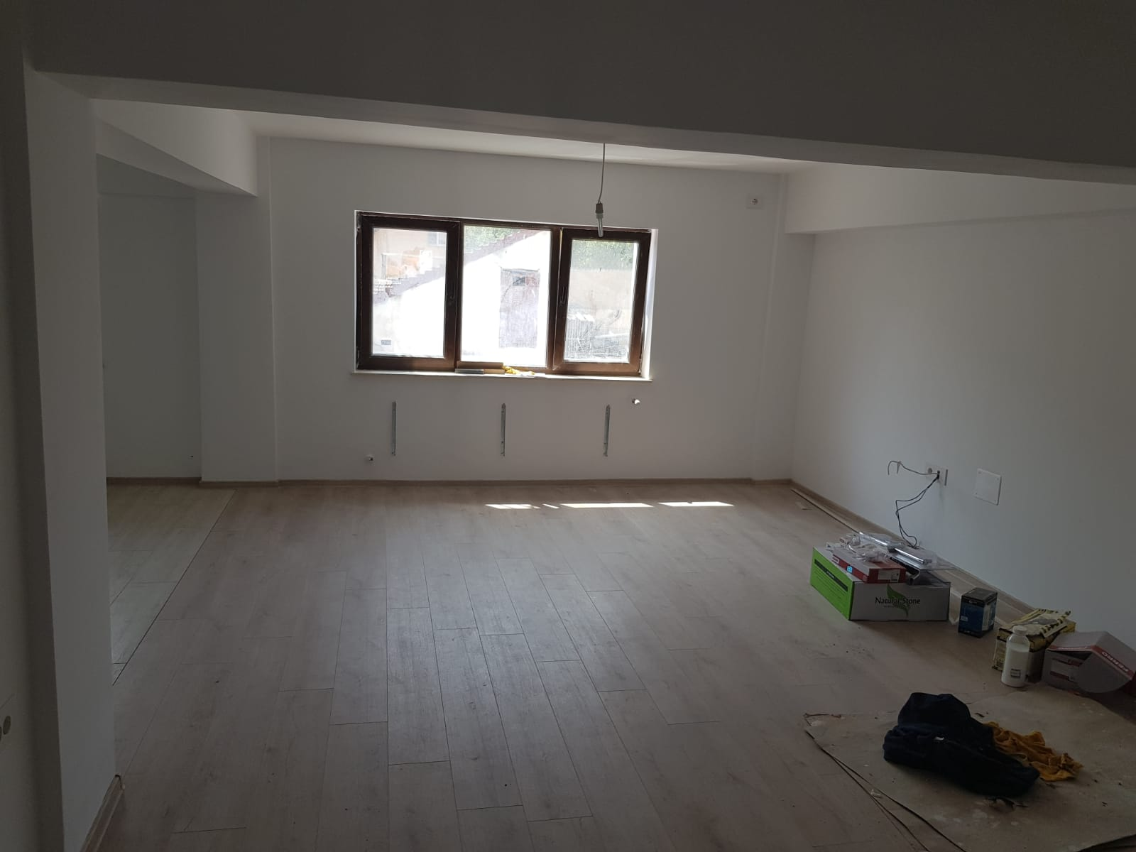 Vand apartament 3 camere zona Gradiste