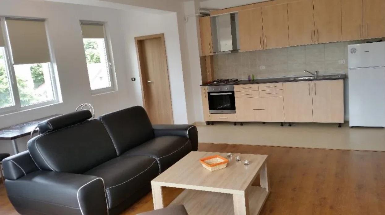 Inchiriez apartament 3 camere zona Podgoria-Avrig