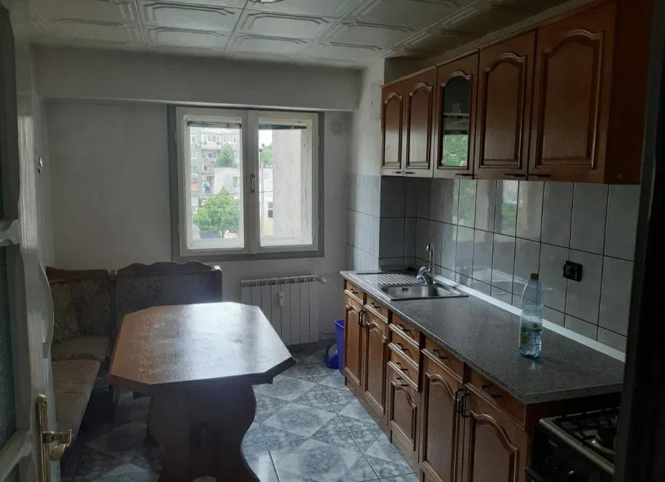 Inchiriez apartament 3 camere zona Vlaicu-Fortuna