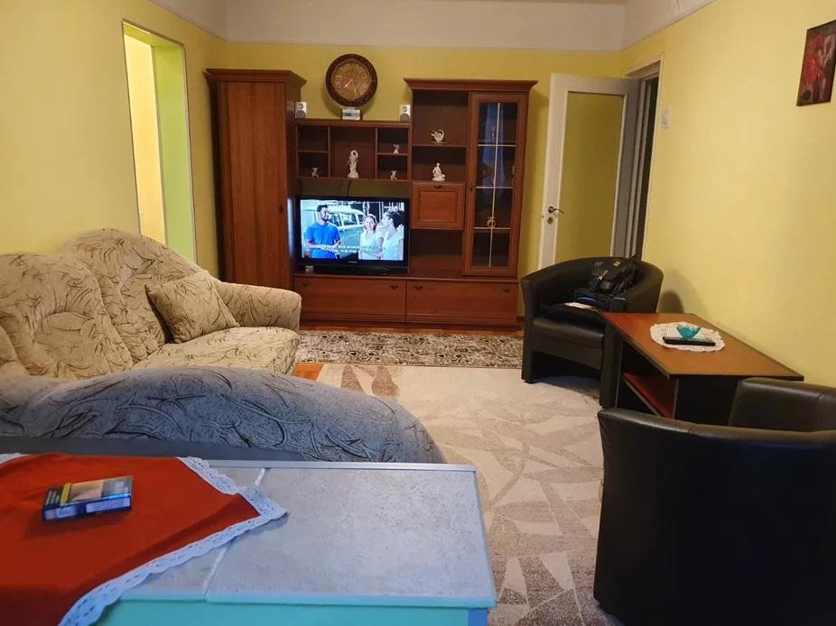 Inchiriez apartament 2 camere zona Vlaicu