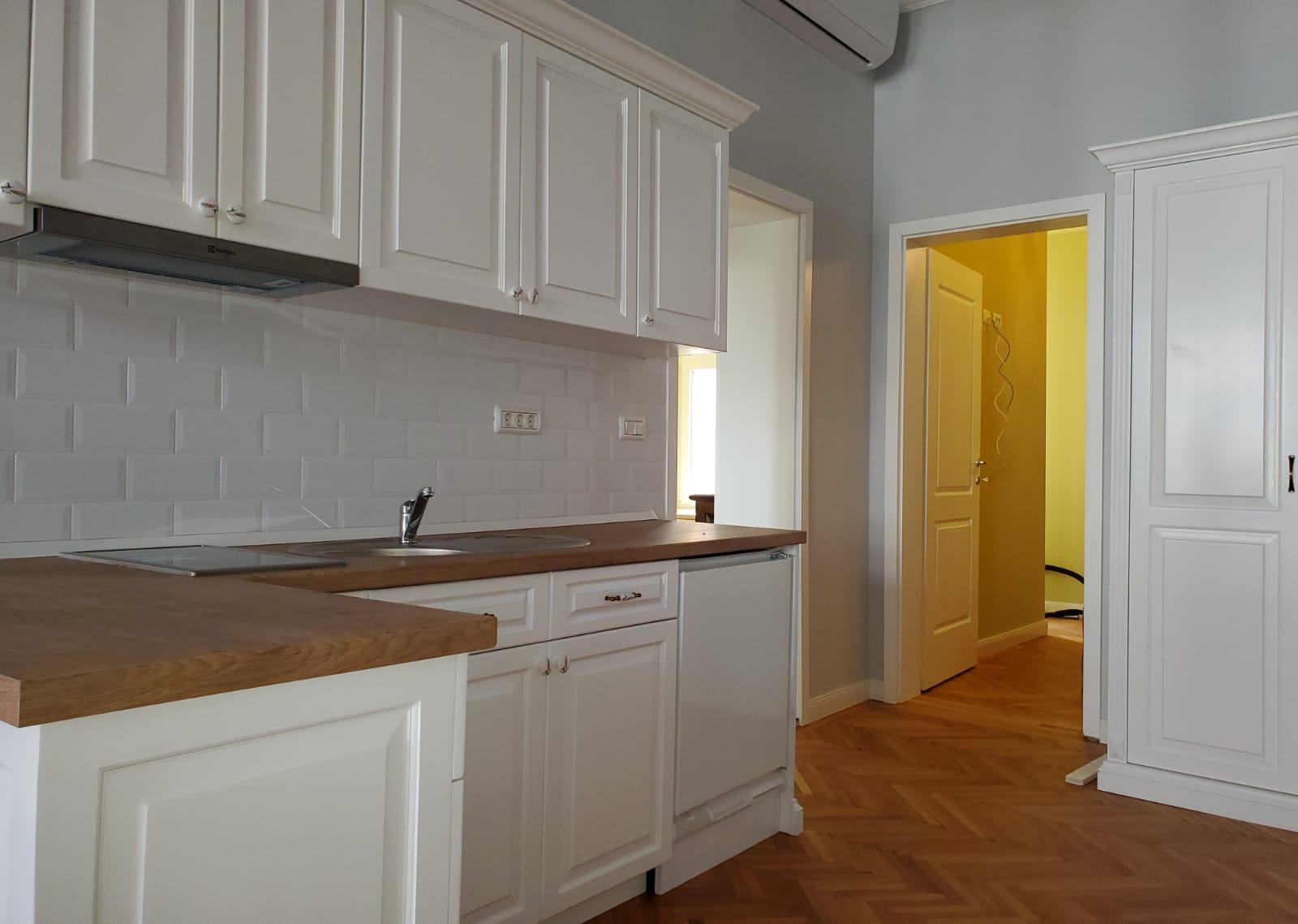 Inchiriez apartament 2 camere in regim hotelier zona Ultracentrala