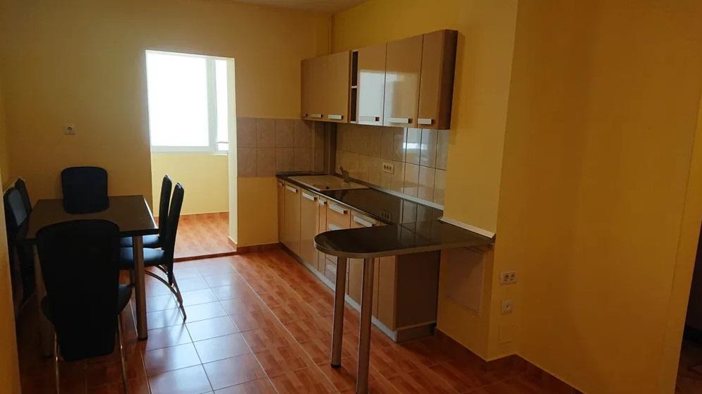 Inchiriez apartament 2 camere zona Micalaca-300