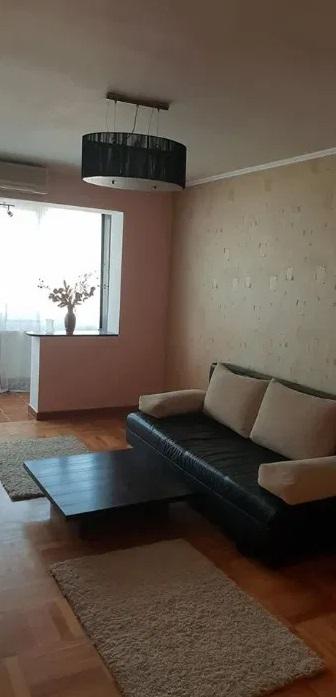 Inchiriez apartament 3 camere zona Vlaicu