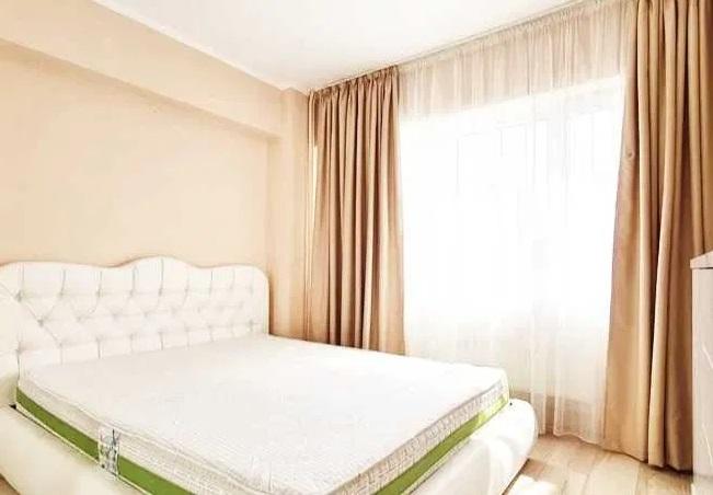 Inchiriez apartament 3 camere zona Vlaicu-Lebada