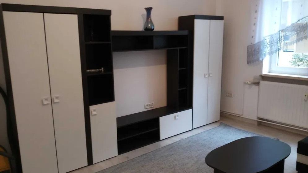 Inchiriez apartament 2 camere zona Vlaicu-Uta