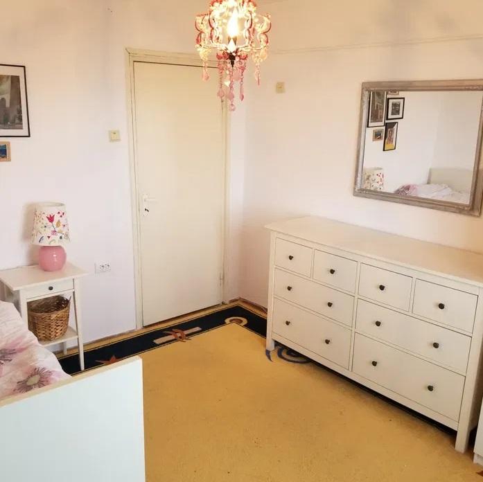 Inchiriez apartament 3 camere zona Ultracentrala-Libelula