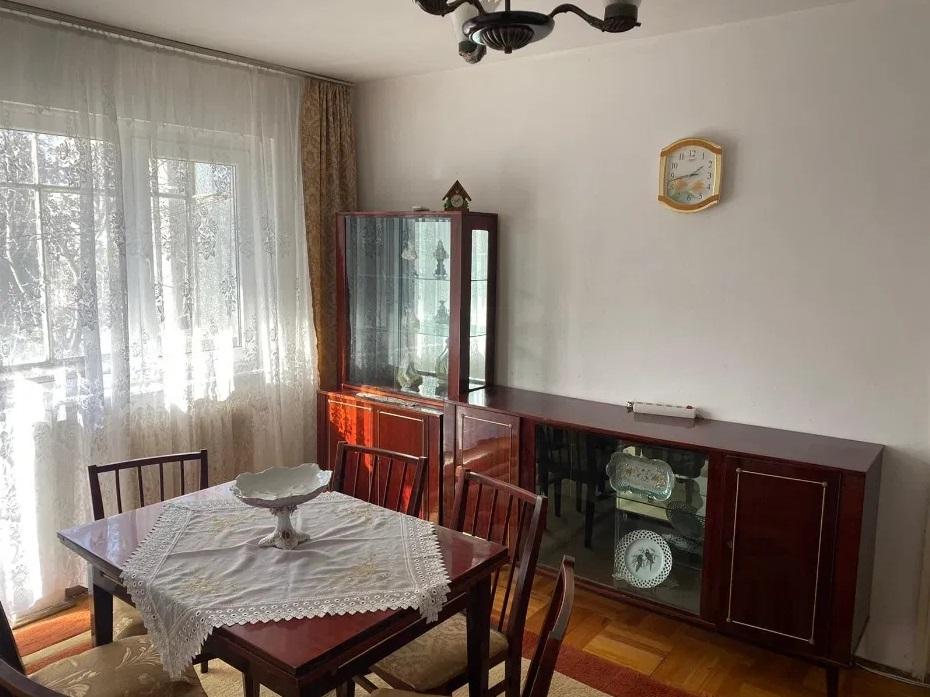 Inchiriez apartament 3 camere zona Garii