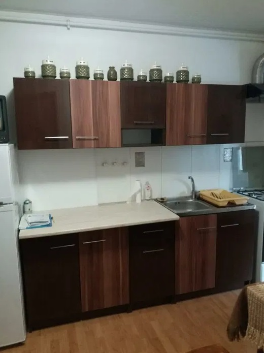 Inchiriez apartament 2 camere zona Parneava-Doja