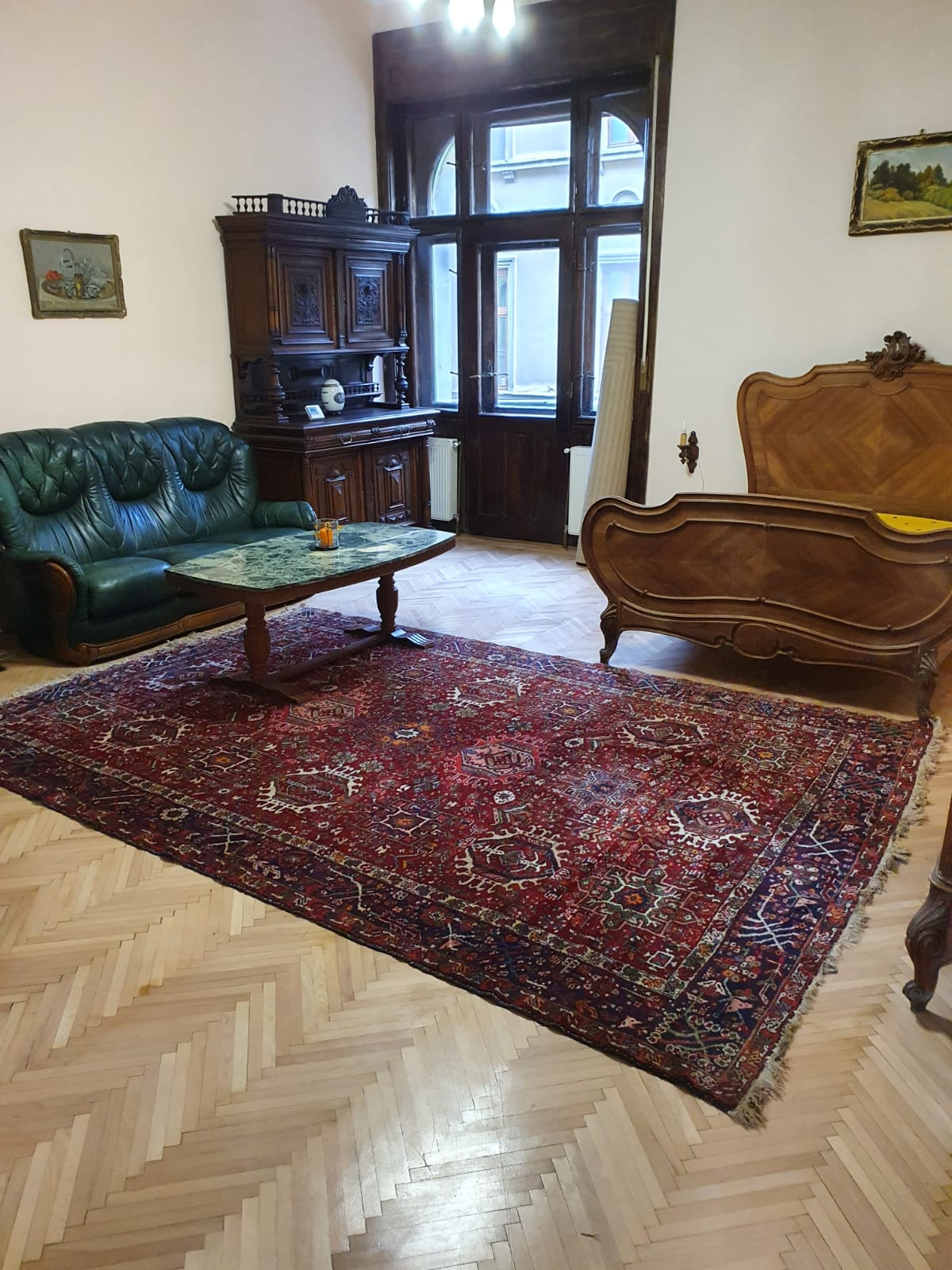 Inchiriez apartament 3 camere in regim hotelier zona Ultracentrala-Cicio Pop
