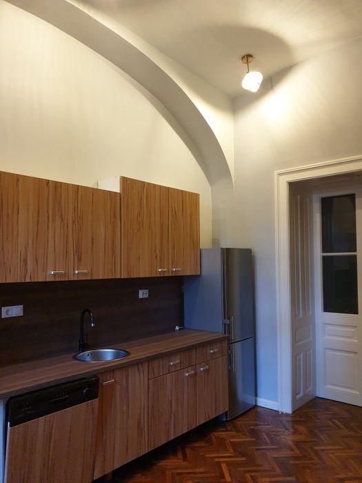 Inchiriez apartament 3 camere la casa zona Centrala-Marasesti