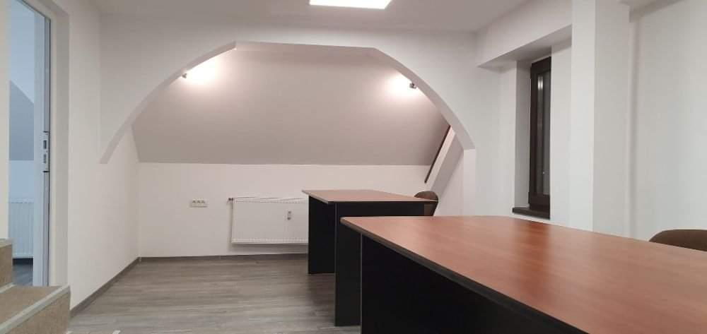 Inchiriez spatiu pentru birouri zona Micalaca-Calea Radnei