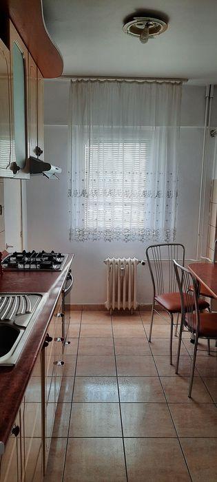 Inchiriez apartament 3 camere zona Podgoria