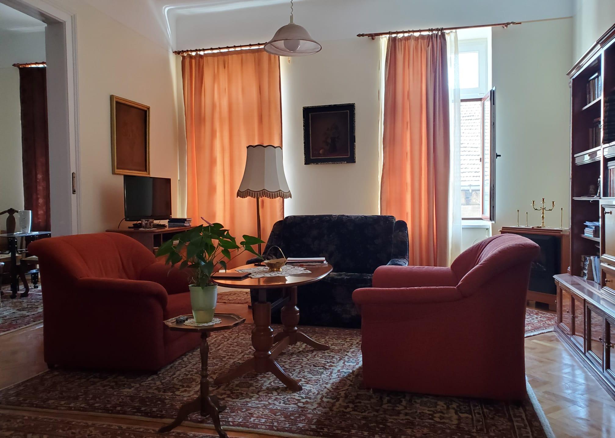 Vand apartament 3 camere zona Ultracentrala-Alecsandri