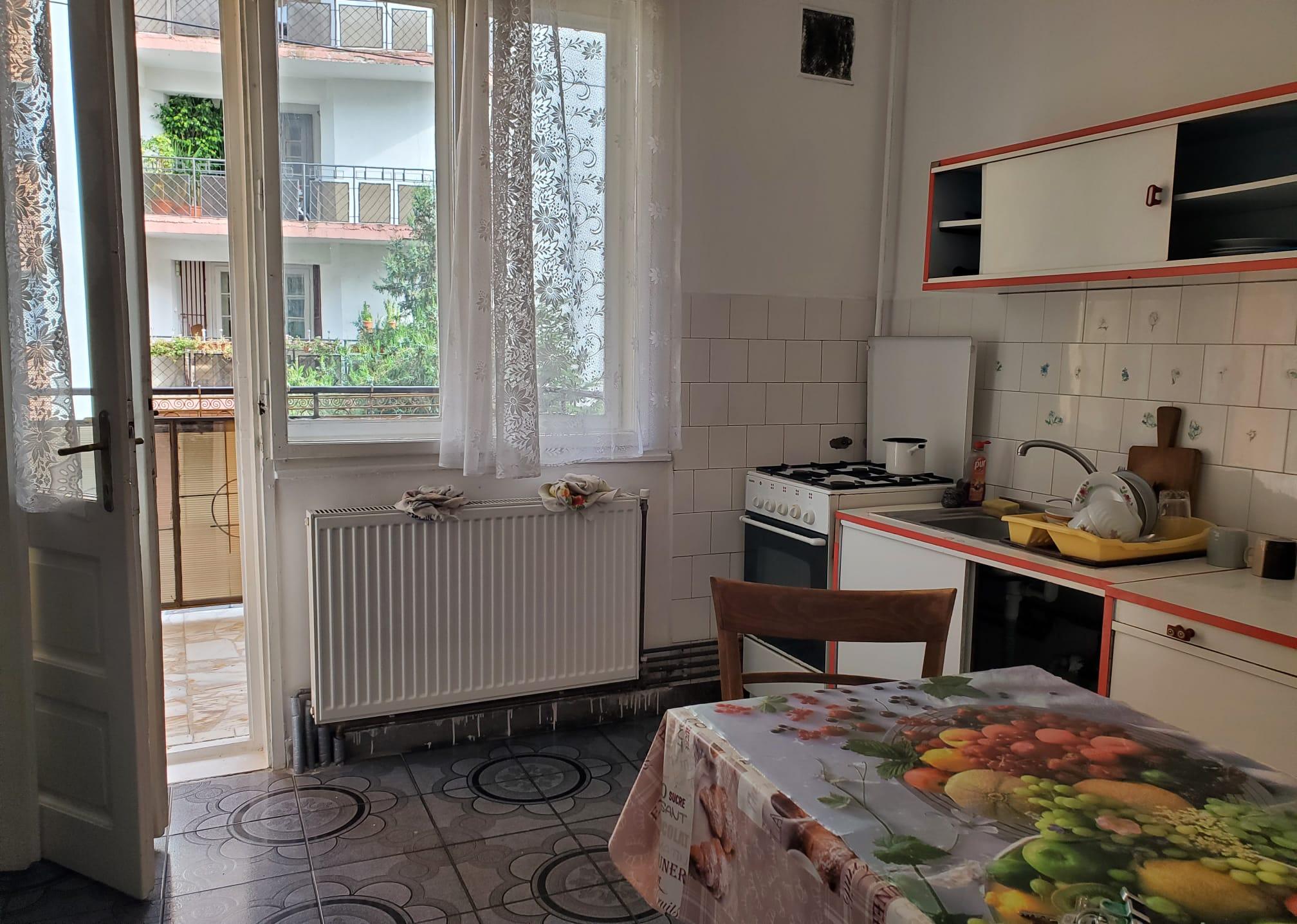 Inchiriez apartament 3 camere zona Malul Muresului-Dacilor