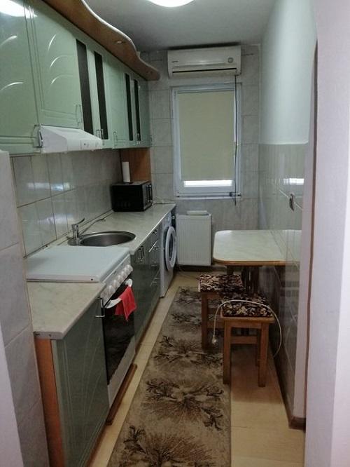 Inchiriez apartament 3 camere zona Vlaicu-Uta